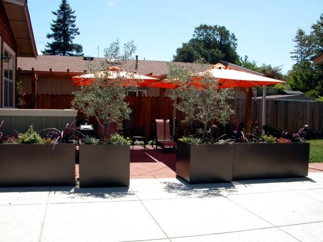 Planters in the garden - 56 Ideas for artistic garden design