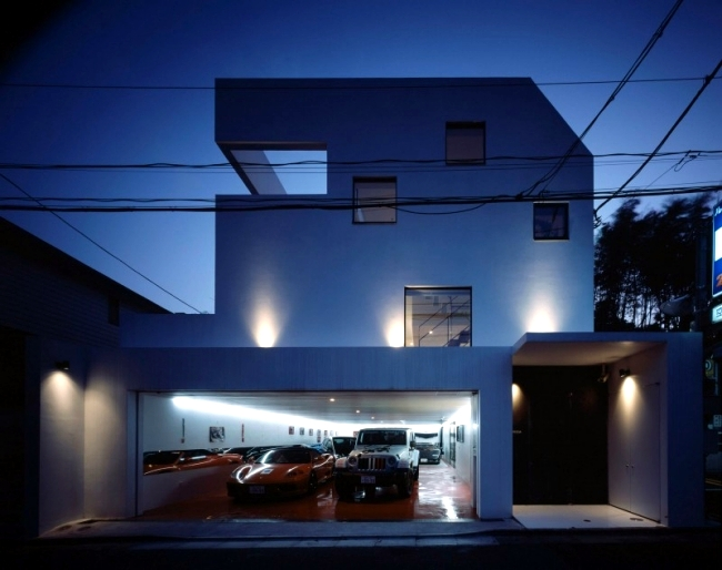 Lift the favorite car of the elevator to the room - Modern house with garage