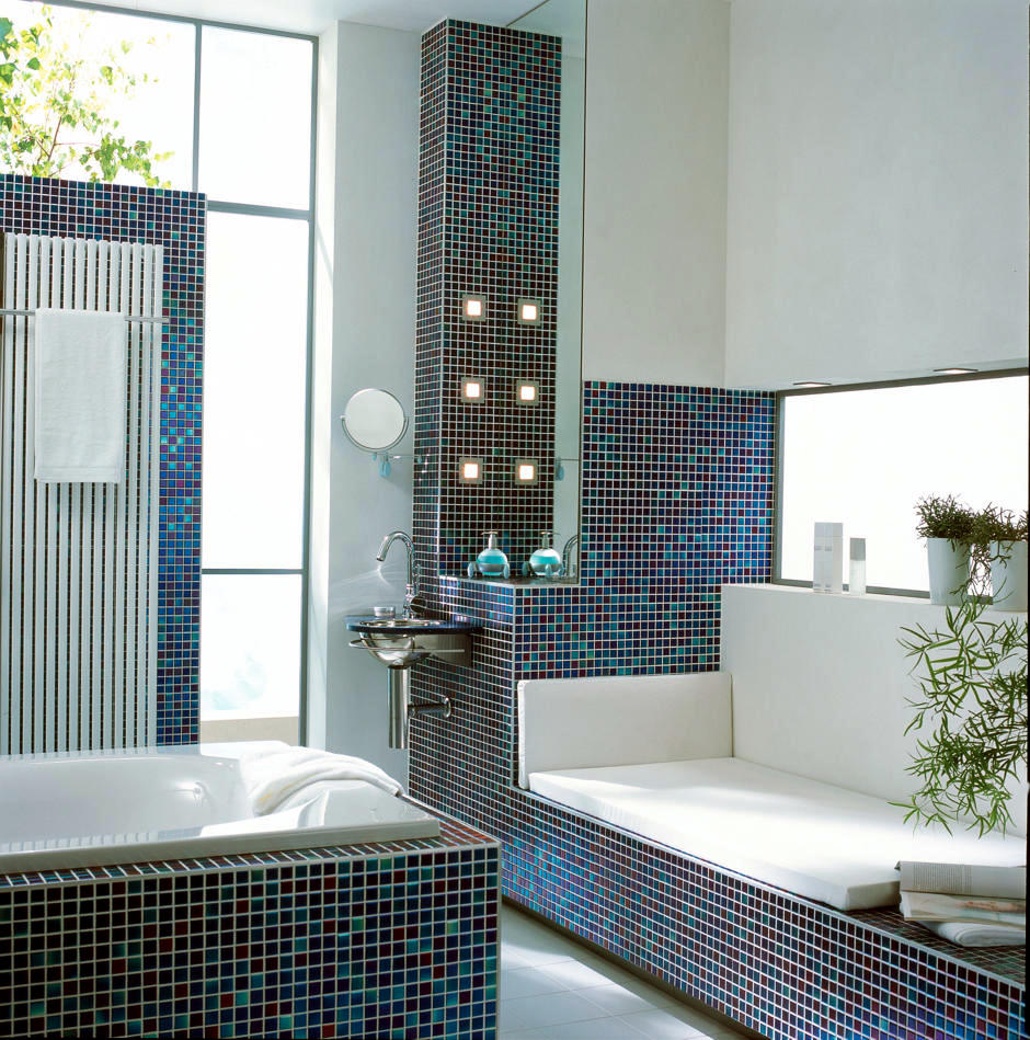 mosaic-bench-for-convenience-in-the-bathroom-0-494
