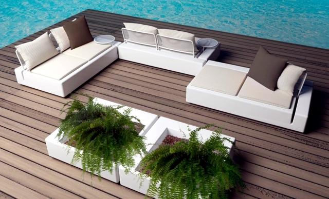 Set of garden furniture Vondom for outdoor living