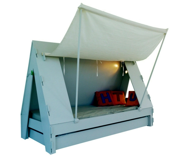 Trundle bed with a roof Store invites adventure