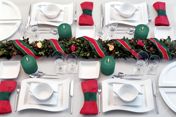 Christmas Table decorations create a festive atmosphere