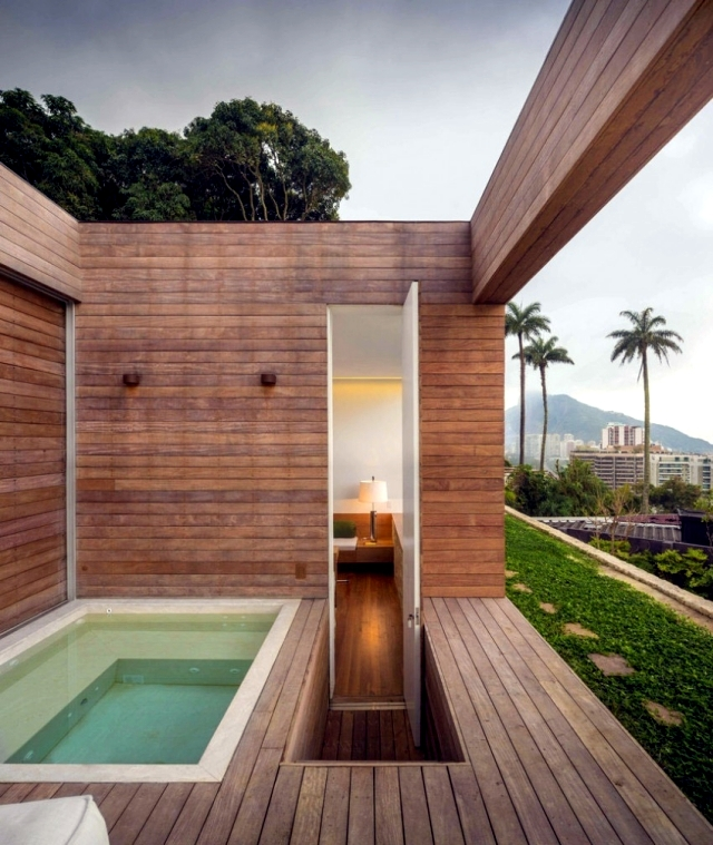 Contemporary Villa in Rio with a minimalist design