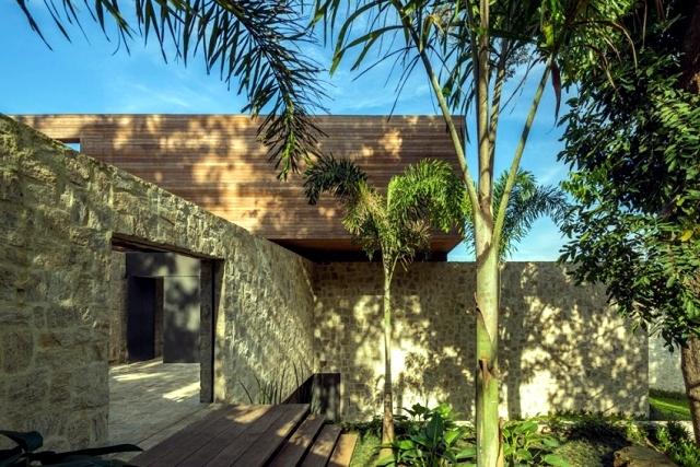 Contemporary Villa in Rio with a minimalist design