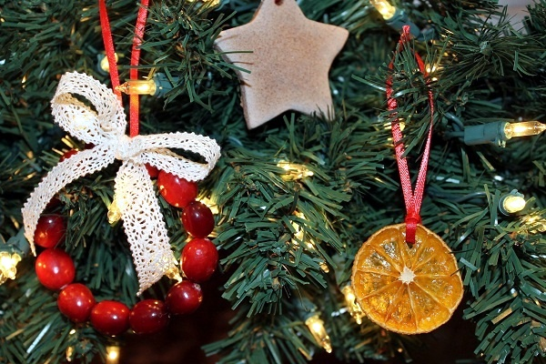 Christmas Tree Decorations Made From Natural Materials