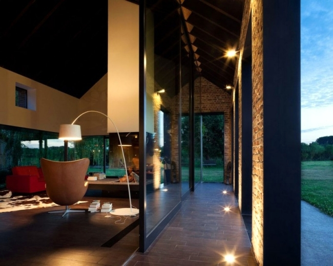 House in Belgium is given a new, modern facility