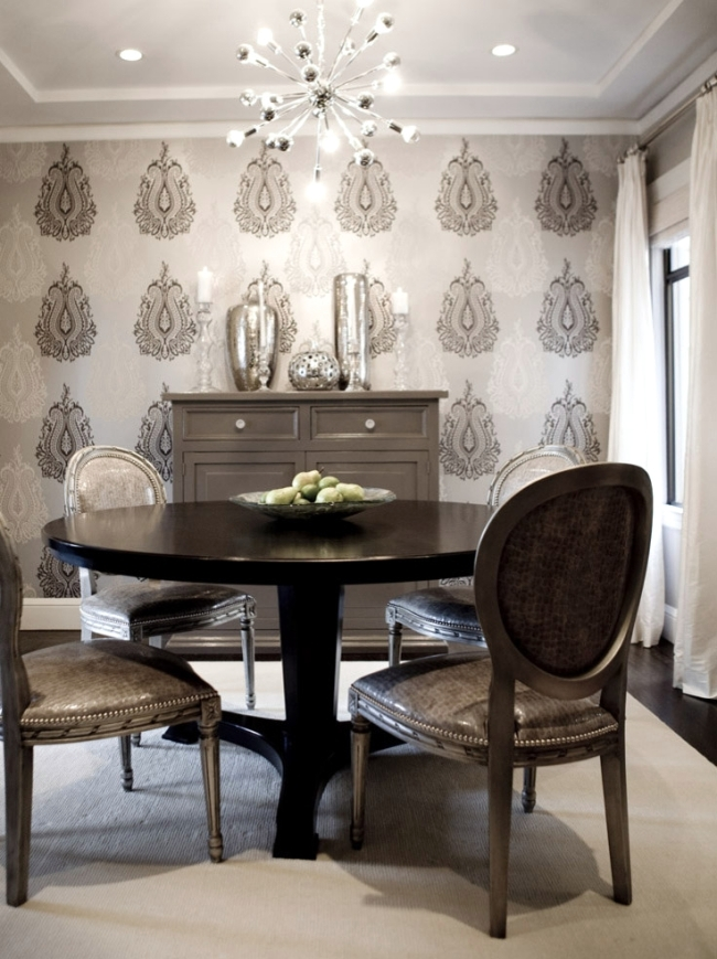 18th Century Drawing Room: Neoclassical Interior Style