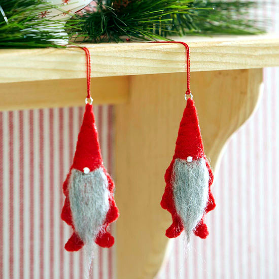 Fiddling Christmas tree decorations - 29 ideas for trailers felt