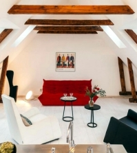 modern-penthouse-in-sweden-pin-white-walls-and-dark-wood-0-530