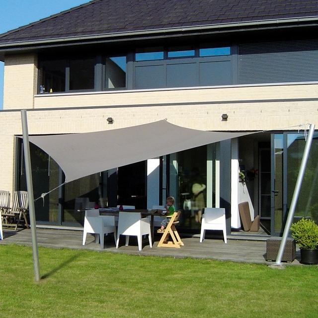 Custom shade sails for terraces Modern solar control