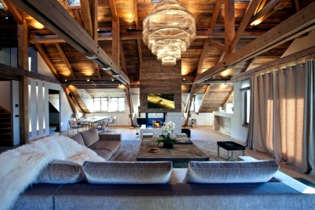 Rustic and luxurious duplex apartment