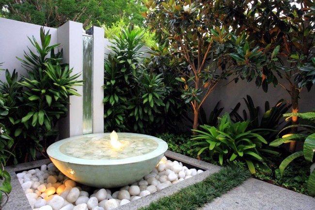 Modern courtyard - A place to relax and entertain
