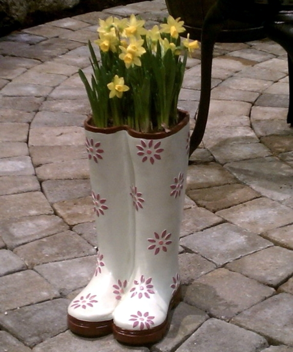 Plantar old shoes again - Ideas for home garden planters