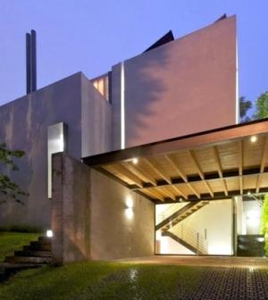 Contemporary Villa With Spacious Living Areas Interior