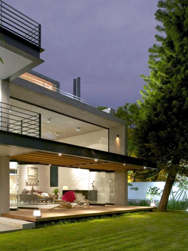 Contemporary villa with spacious living areas