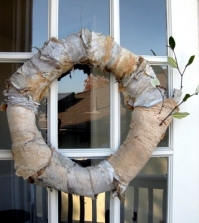 the-craft-of-decorative-autumn-wreath-natural-looking-to-the-front-door-0-583
