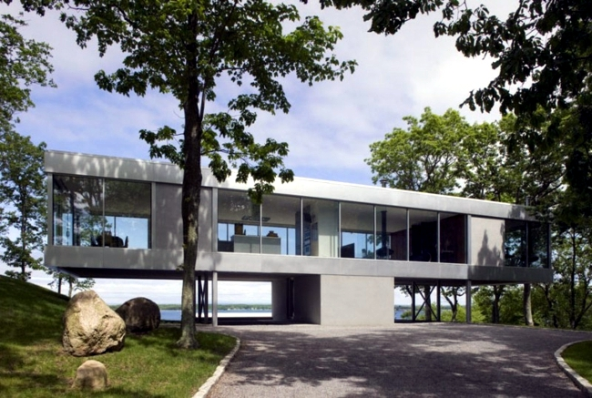 House Of Glass And Steel Is The Trend In New Construction