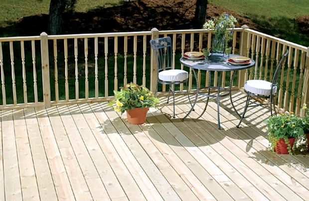 Wood tiles balcony - why wood flooring is bang on trend
