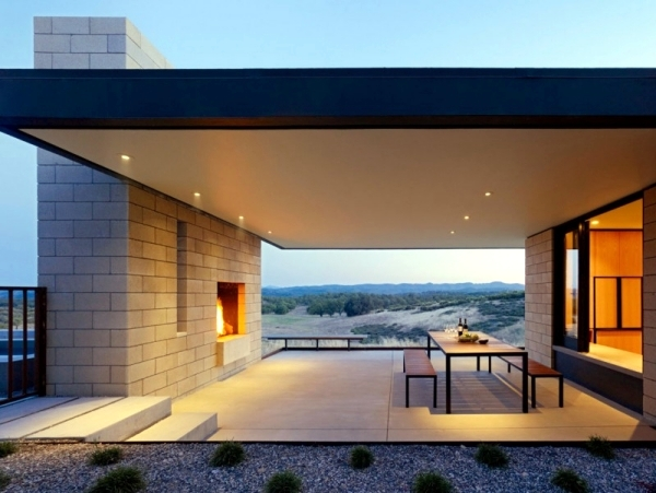 Flat roof cottage style house design combined with modern architecture