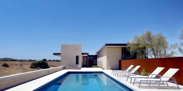 Flat roof cottage style house design combined with modern for Minimalist house flat roof