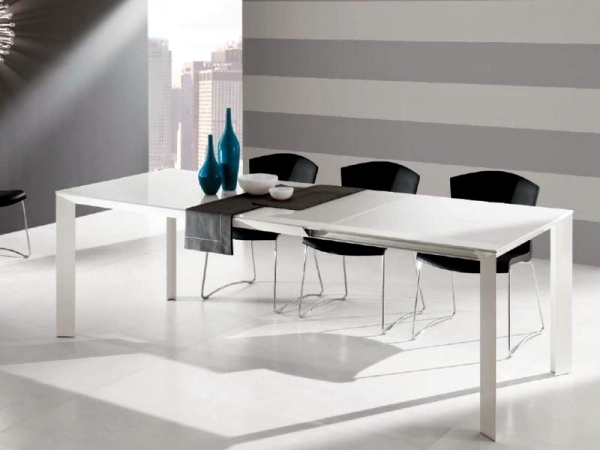 Contemporary dining table made of wood glass and metal for Exclusive dining table designs