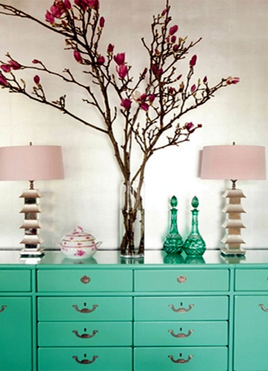 Mint green and pink - colors fashion trend in 2013, in the establishment