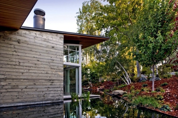 California passive house with garden and loft interior style