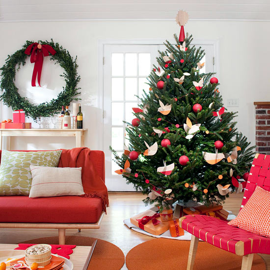 Ideas For A Brightly Decorated Christmas Tree With