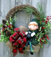 make-a-christmas-wreath-and-decorate-with-natural-materials-0-624