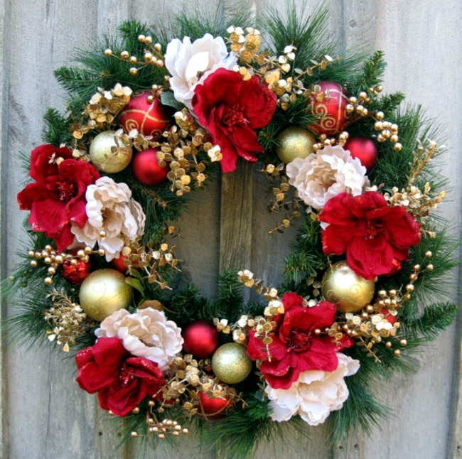 make a christmas wreath and decorate with natural materials - How To Make A Christmas Wreath