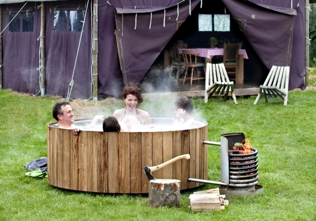 Whirlpool Bath Wooden Outdoor Fun Interior Design Ideas