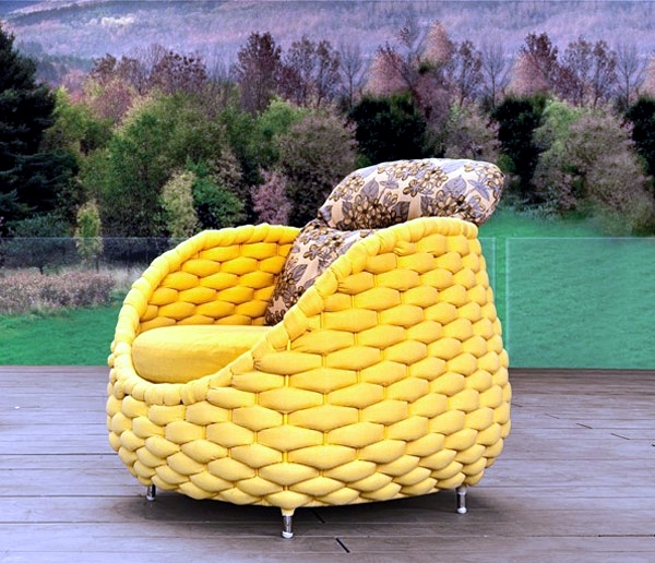 Garten Relax chair with a unique design that invites you to relax