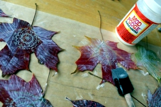 Colorful autumn decoration - Fresh Ideas with leaves to make your own