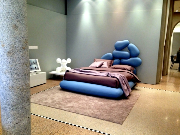 Header with the original form of extravagant design of Noctis