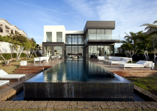 Modern House With Pool Promises A Good Time Outdoors Interior Design Ideas Ofdesign