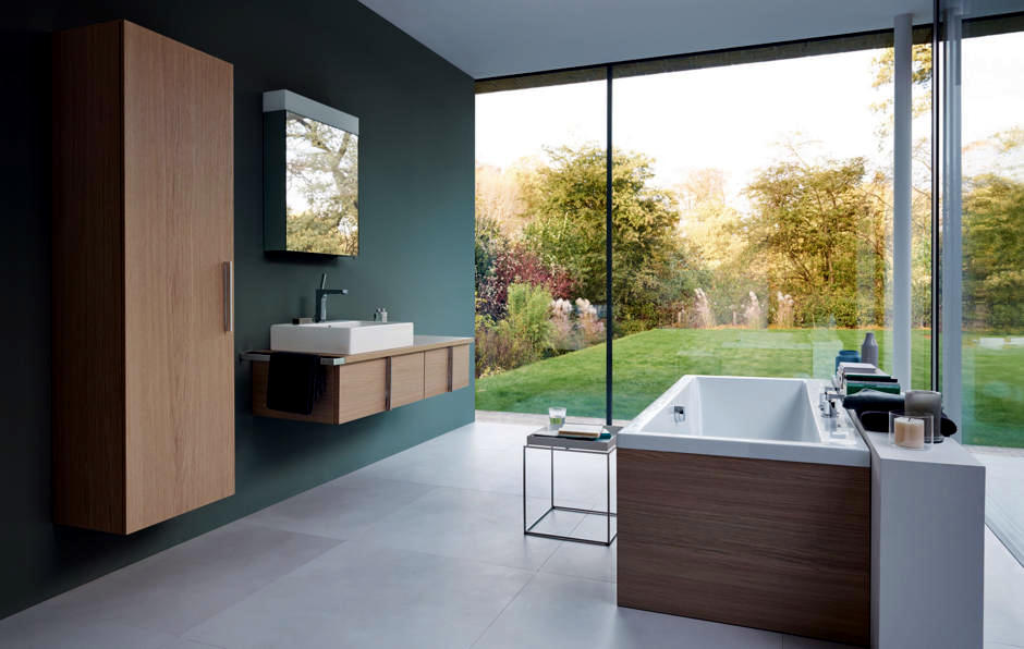 modern-bathroom-with-view-0-651