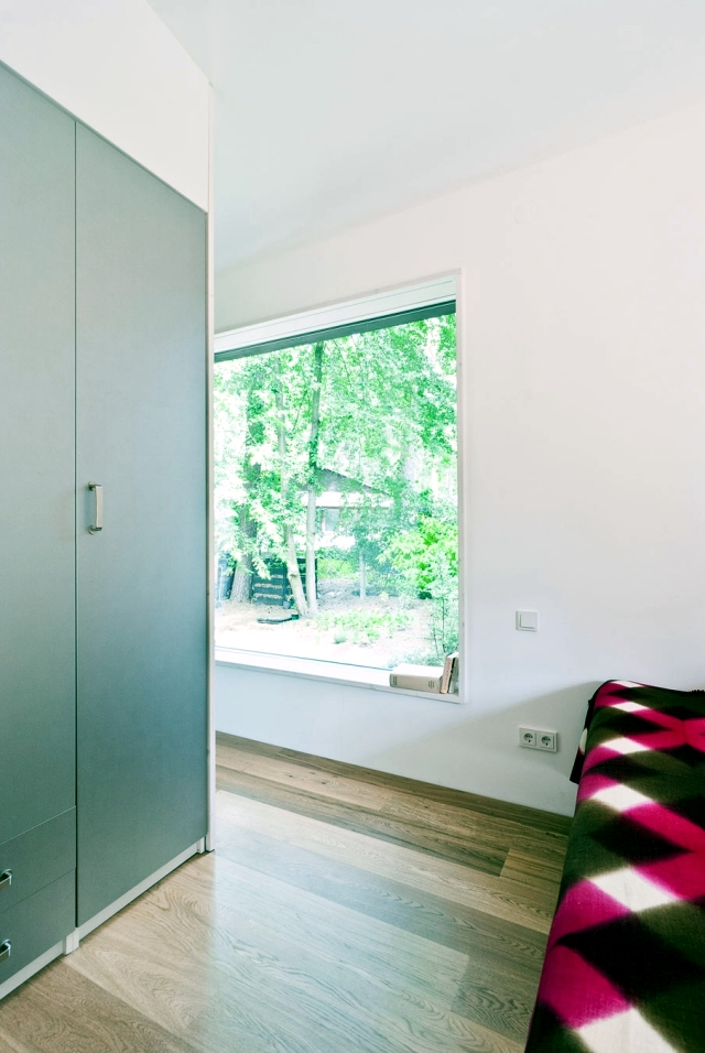 Modern Jungle House in Potsdam in dialogue with nature