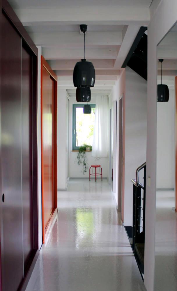 Entrance Hall & Cloakroom