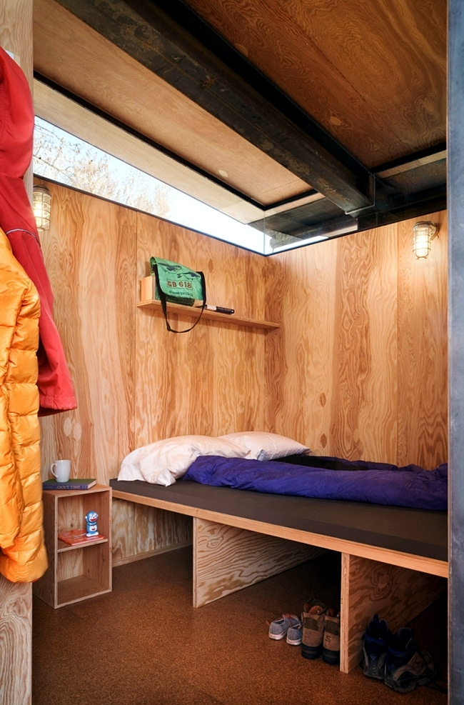Modern wheeled cabins offer a cozy atmosphere and mountain panorama