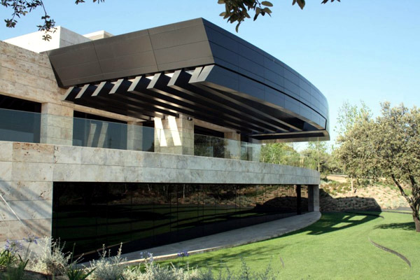 Modern Zen House Design In Madrid, Spain