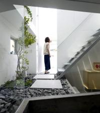 a-garden-house-idea-of-modern-design-in-japan-0-671