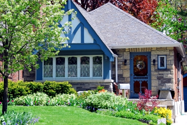 Face beautiful garden and surprise your neighbors and passersby