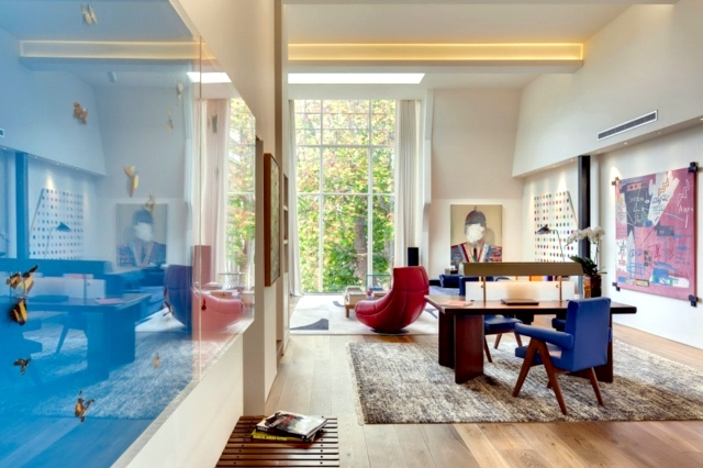 To renew old house - a building in England modernizing