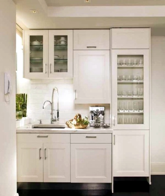 Small kitchen established recommendations for the distribution and colors