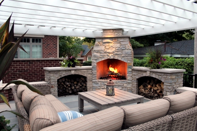 Stone barbecue fireplace – the highlight in the garden | Interior ...