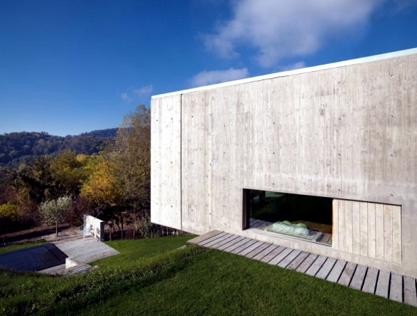 Modern concrete house house YF: L means Architetti nature