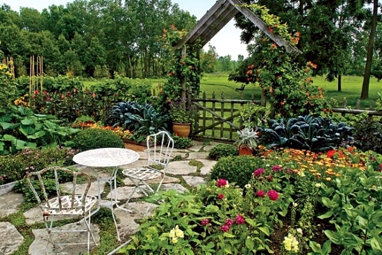 Perfect garden design 15 ideas fine for outdoor spaces for Garden design vegetables and flowers