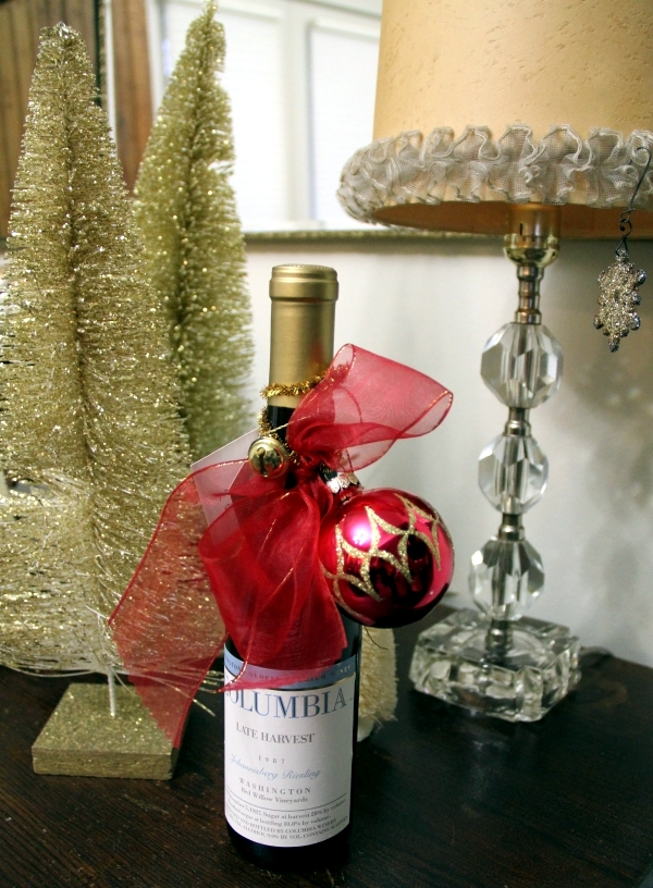 Creative wine bottles packaging for Christmas - a great gift