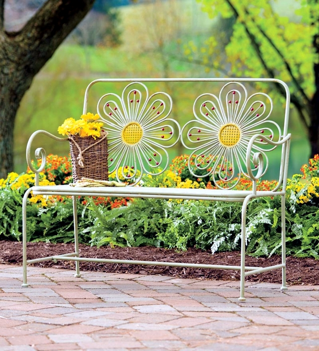 Design Ideas Garden Bench   Modern Or Classic?