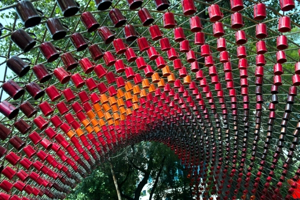 An art in 1500 Nescafe Mugs installed in Mexico City